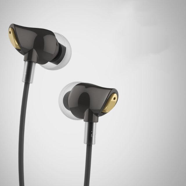 Stereo In-Ear Earphones with Enhanced Bass