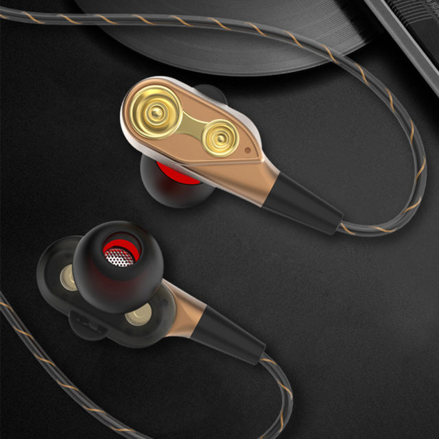 Stylish Wired Earphones with Microphone